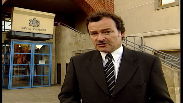michael barrymore gives evidence at stuart lubbock death inquest; i/c car carrying barrymore towards past as leaving coroners court car along past... - michael barrymore stock-videos und b-roll-filmmaterial