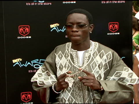 michael blackson at the 2006 bet awards arrivals at the shrine auditorium in los angeles, california on june 27, 2006. - bet awards bildbanksvideor och videomaterial från bakom kulisserna