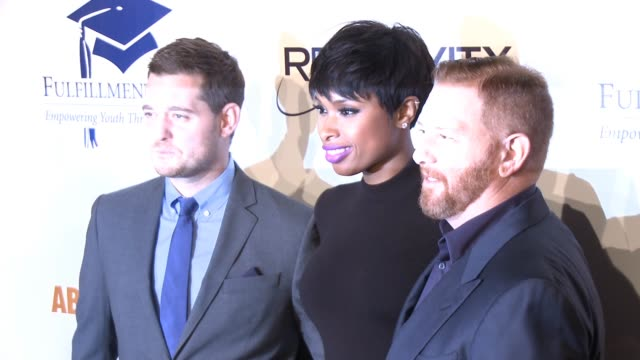 michael bublé jennifer hudson and ryan kavanaugh at the 20th annual fulfillment fund stars benefit gala red carpet honoring relativity founder and... - direttrice video stock e b–roll