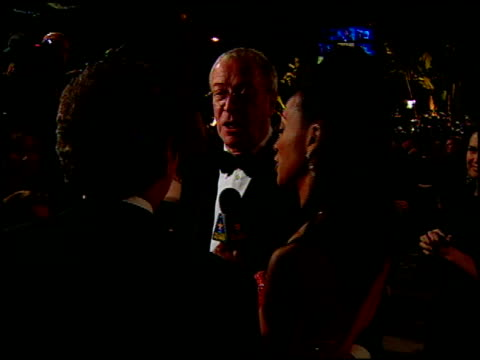 michael caine at the 2000 academy awards vanity fair party at mortons in west hollywood, california on march 26, 2000. - 俳優 マイケル・ケイン点の映像素材/bロール