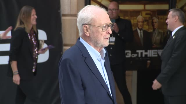 michael caine at vue west end on september 12, 2018 in london, england. - 俳優 マイケル・ケイン点の映像素材/bロール