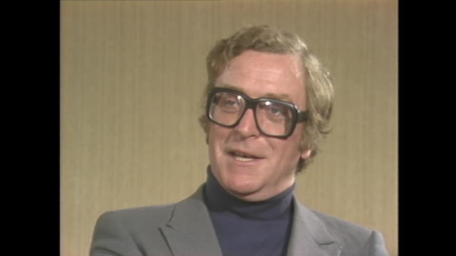 vídeos de stock e filmes b-roll de michael caine on how playing alfie changed his life - michael caine ator