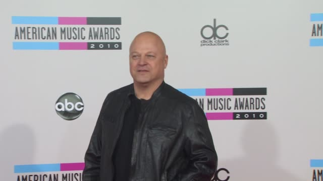 michael chiklis at the 2010 american music awards - arrivals at los angeles ca. - michael chiklis stock videos & royalty-free footage