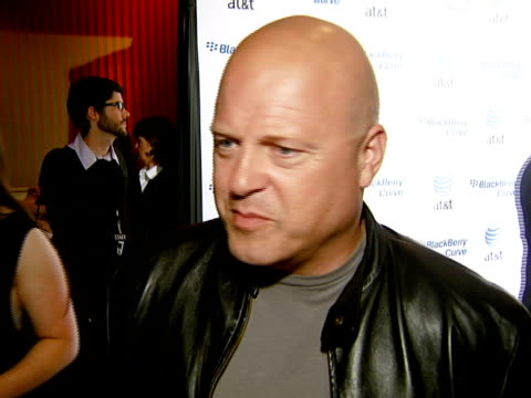 michael chiklis at the blackberry curve from at&t u.s. launch party at beverly hills california. - curve stock videos & royalty-free footage