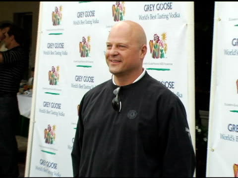 michael chiklis at the elizabeth glaser pediatric aids foundation golf classic at riviera country club in pacific palisades, california on october... - michael chiklis stock videos & royalty-free footage