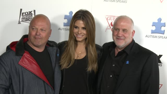 """michael chiklis, maria menounos at autism speaks 3rd annual """"blue jean ball"""" in hollywood, ca, on . - michael chiklis stock videos & royalty-free footage"""