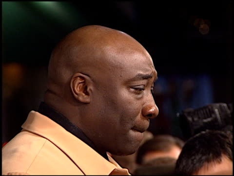 michael clarke duncan at the premiere of 'the hurricane' at the mann village theatre in westwood, california on december 14, 1999. - michael clarke duncan stock videos & royalty-free footage