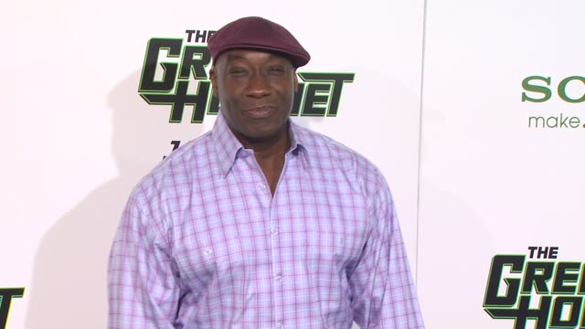 michael clarke duncan at the 'the green hornet' premiere at hollywood ca. - michael clarke duncan stock videos & royalty-free footage