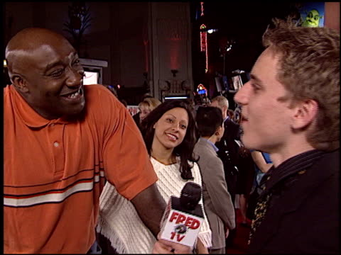 michael clarke duncan at the 'walking tall' premiere at grauman's chinese theatre in hollywood, california on march 29, 2004. - michael clarke duncan stock videos & royalty-free footage