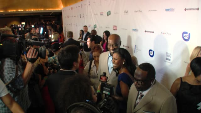 Michael Clarke Duncan Omarosa and Cedric the Entertainer at the The Harold Pump Foundation 10th Annual Gala at Los Angeles CA