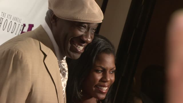 michael clarke duncan omarosa manigault stallworth at the 8th annual hoodie awards hosted by steve harvey at las vegas nv - omarosa manigault newman stock videos & royalty-free footage