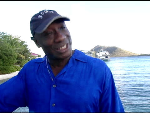 michael clarke duncan on his current projects, on acting for television versus film or stage, and his hope to do theater at the jose cuervo... - michael clarke duncan stock videos & royalty-free footage