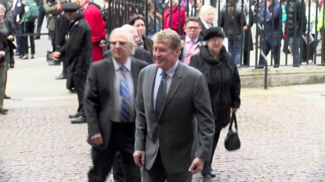 vidéos et rushes de michael crawford at westminster abbey on june 07 2017 in london england - ronnie corbett