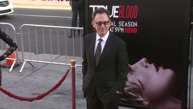 vídeos y material grabado en eventos de stock de michael emerson at true blood seventh and final season premiere at tcl chinese 6 theatres on june 17 2014 in hollywood california - mann theaters