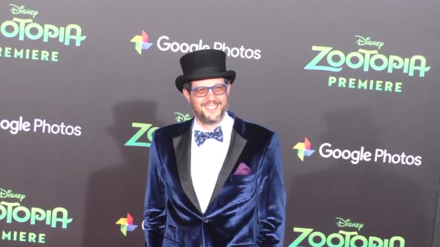 vidéos et rushes de michael giacchino at the zootopia premiere at el capitan theatre in hollywood at celebrity sightings in los angeles on february 17 2016 in los... - cinéma el capitan