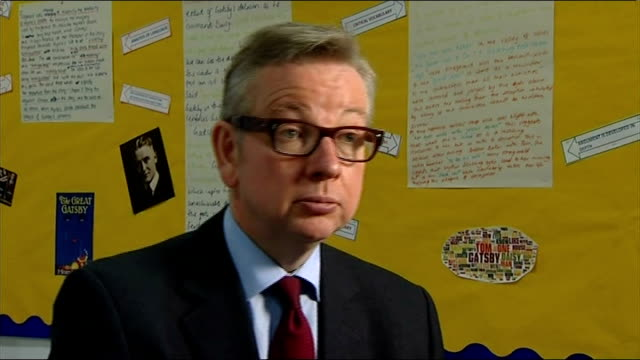 michael gove calls for private schools to be the model for state schools gove/headteacher interview england london stratford london academy of... - ロンドン ストラトフォード点の映像素材/bロール