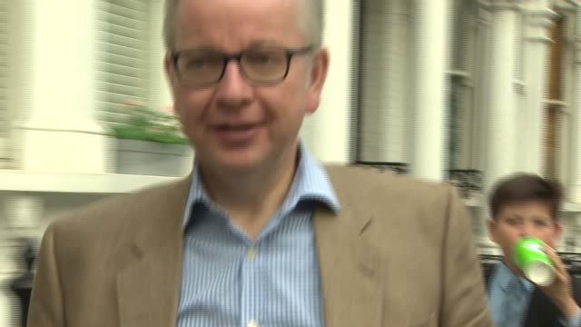 London EXT Michael Gove MP along ignoring press questions and into house