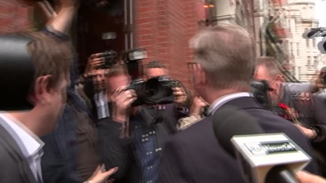 michael gove launches conservative leadership bid arrival and departure england london photography** michael gove mp arriving surrounded by press... - gebot stock-videos und b-roll-filmmaterial