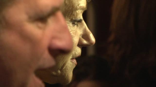 vidéos et rushes de michael hoffman and helen mirren at the the last station premiere at london england - en dernier