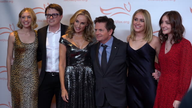 stockvideo's en b-roll-footage met michael j. fox and tracy pollan at the 2019 a funny thing happened on the way to cure parkinson's at the hilton new york on november 16, 2019 in new... - tracy pollan