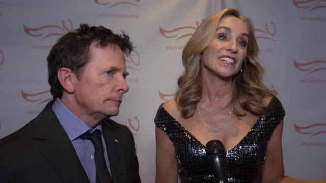 stockvideo's en b-roll-footage met michael j. fox and tracy pollan talk about the significance of the event and how far it has come at the 2019 a funny thing happened on the way to... - tracy pollan