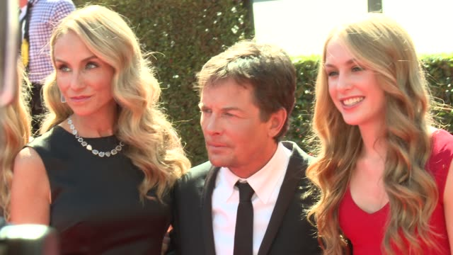 stockvideo's en b-roll-footage met michael j. fox, tracy pollan at 2012 creative arts emmy awards - arrivals on 9/15/2012 in los angeles, ca. - tracy pollan