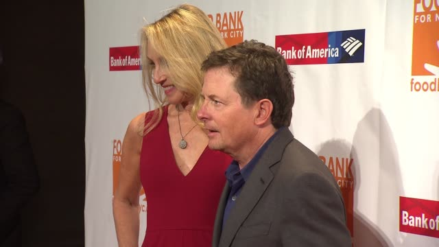 stockvideo's en b-roll-footage met michael j. fox, tracy pollan at food bank for new york city can-do awards dinner 2017 at cipriani wall street on april 19, 2017 in new york city. - tracy pollan