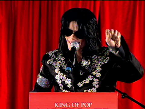 michael jackson announces final shows in london and says this is it, really is this is it. at the michael jackson this is it performances... - マイケル・ジャクソン点の映像素材/bロール