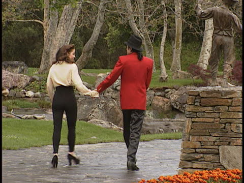 michael jackson at the neverland ranch with michael and lisa at neverland ranch, santa ynez valley in santa ynez valley, ca. - ネバーランドバレーランチ点の映像素材/bロール
