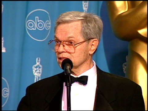michael kidd at the 1997 academy awards governor's ball at the shrine auditorium in los angeles, california on march 24, 1997. - oscarsgalan 1997 bildbanksvideor och videomaterial från bakom kulisserna