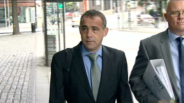 day 4 england manchester manchester crown court photography*** michael le vell arriving at court and press gathered around le vell through press to... - マイケル レ ベル点の映像素材/bロール