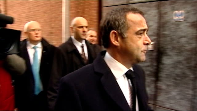 michael le vell appears in court charged with sexual offences against a child **warning le vell arriving at court with press around ends - マイケル レ ベル点の映像素材/bロール
