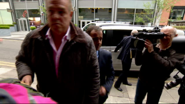 michael le vell denies child sex charges england manchester manchester crown court photography** michael le vell from car and into court past press... - マイケル レ ベル点の映像素材/bロール