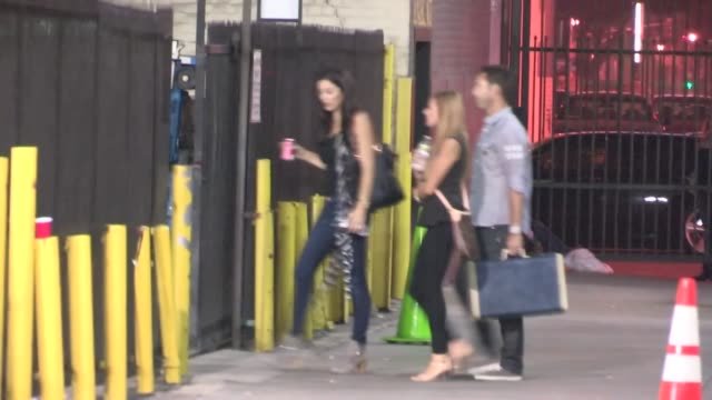 michael levine departs the orpheum theatre in los angeles, 10/19/12 - orpheum theatre stock videos & royalty-free footage