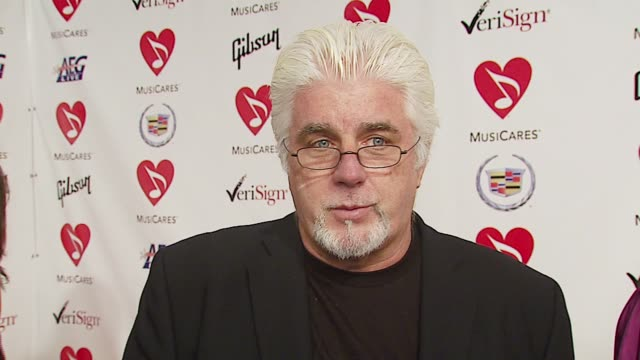 stockvideo's en b-roll-footage met michael mcdonald on musicares don henley's career and their similar paths in music as singers in successful groups who eventually became successful... - los angeles convention center