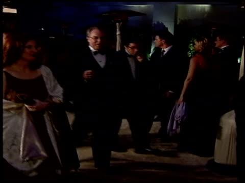 vídeos de stock e filmes b-roll de michael mckean at the 2004 academy awards ballroom at the kodak theatre in hollywood california on february 29 2004 - 76.ª edição da cerimónia dos óscares