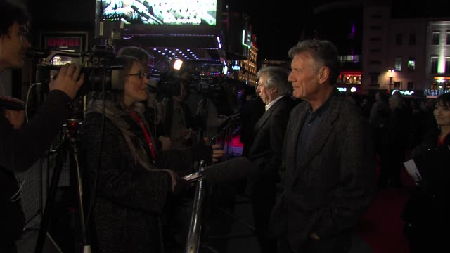 """michael palin at """"a liar's autobiography"""" premiere: 56th bfi london film festival at empire leicester square on october 16, 2012 in london, england. - マイケル パリン点の映像素材/bロール"""