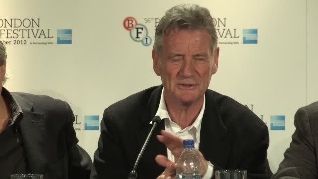 """michael palin on graham chapman being silly and serious at the same time at """"a liar's autobiography"""" press conference: bfi 56th london film festival... - マイケル パリン点の映像素材/bロール"""
