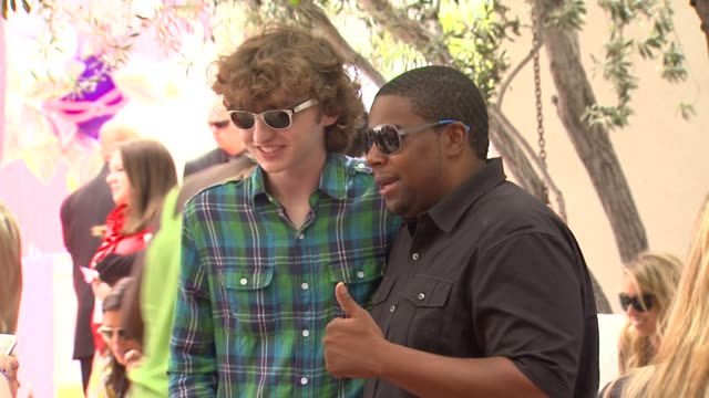 Michael Reid Kenan Thompson at the Nickelodeon's 'iParty With Victorious' Premiere at West Hollywood CA