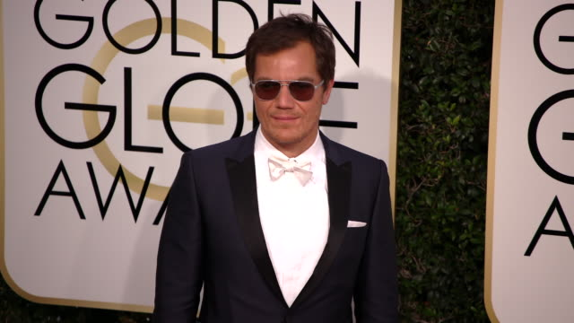 vídeos de stock e filmes b-roll de michael shannon at the 74th annual golden globe awards arrivals at the beverly hilton hotel on january 08 2017 in beverly hills california 4k - the beverly hilton hotel