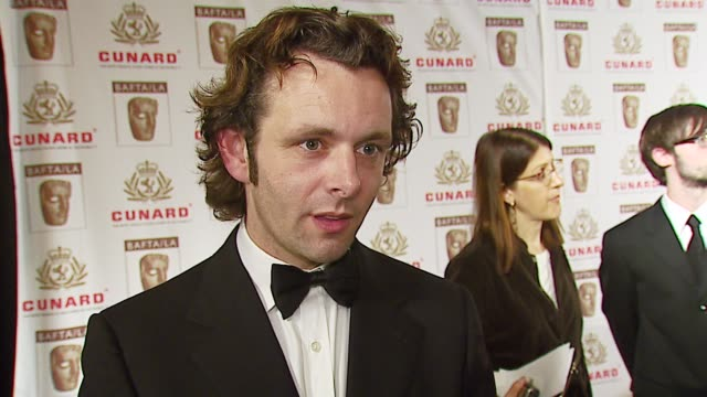 michael sheen on the british/american influence, his portrayal of tony blair in 'the queen', what he loves about americans at the 2006 bafta/cunard... - michael sheen bildbanksvideor och videomaterial från bakom kulisserna