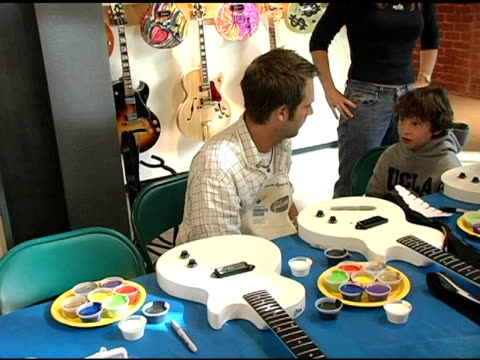 michael vartan at the gibson guitar 'paint for pep' charity event at gibson baldwin showroom in beverly hills california on december 4 2004 - michael vartan stock videos & royalty-free footage