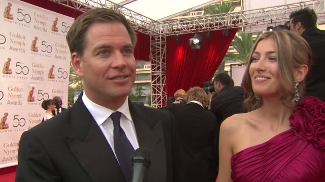 michael weatherly on his beautiful doctor wife, on enjoying the week and the highlights of meeting the prince and james bond while in monte carlo. on... - 俳優 ロジャー・ムーア点の映像素材/bロール