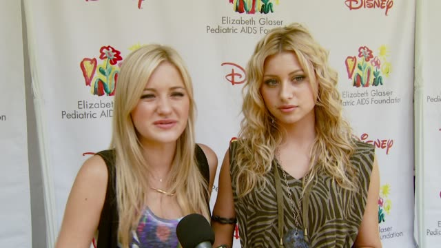 michalka and aly michalka on performing at this event at the 'a time for heroes' carnival to benefit the elizabeth glaser pediatric aids foundation... - アタイムフォーヒーローズ点の映像素材/bロール