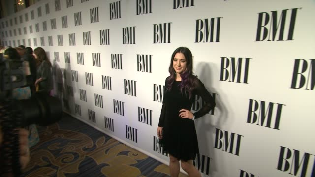 vídeos de stock, filmes e b-roll de michelle branch at 62nd annual bmi pop awards in los angeles ca - michelle branch