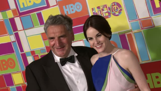 vídeos y material grabado en eventos de stock de michelle dockery at hbo's official 2014 emmy after party at the plaza at the pacific design center on august 25 2014 in los angeles california - premios emmy