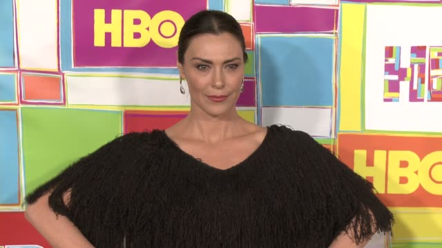 vídeos y material grabado en eventos de stock de michelle forbes at hbo's official 2014 emmy after party at the plaza at the pacific design center on august 25 2014 in los angeles california - premios emmy