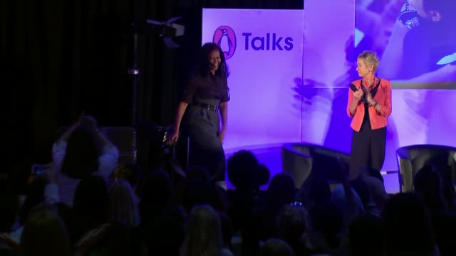 stockvideo's en b-roll-footage met michelle obama revisits elizabeth garrett anderson school in london as she promotes her autobiography england london islington elizabeth garrett... - autobiografie