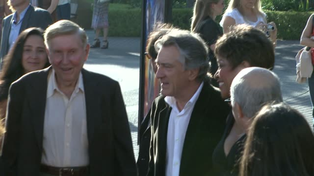 michelle pfeiffer and robert de niro at the 'stardust' los angeles premiere at paramount studios theater in hollywood california on july 29 2007 - michelle pfeiffer stock videos & royalty-free footage
