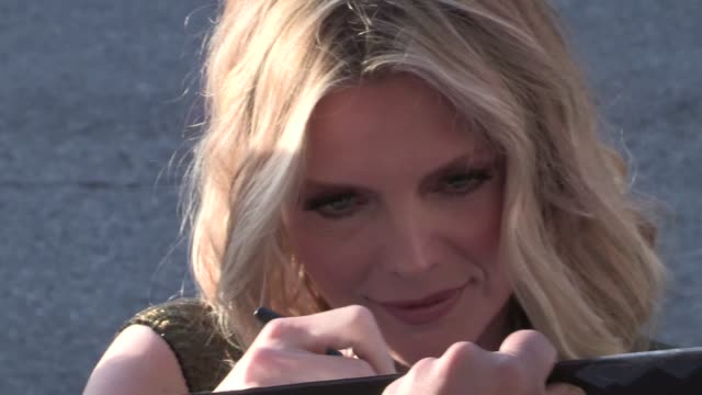 michelle pfeiffer greets fans at the dark shadows premiere in hollywood 05/07/12 michelle pfeiffer greets fans at the dark shadows on may 07 2012 in... - michelle pfeiffer stock videos & royalty-free footage